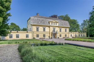 Property for sale in Hönsäter Castle, Houses for sale in Hönsäter Castle